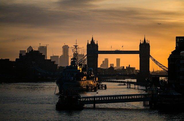 Dusk Towerbridge Bridge London  - similitude / Pixabay