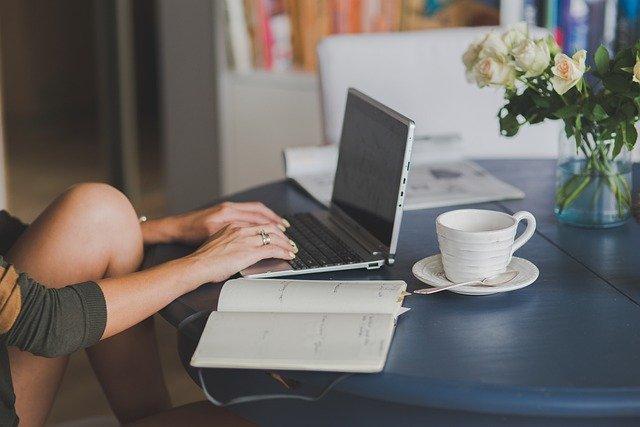 Office Work Business Computer  - Deeezy / Pixabay